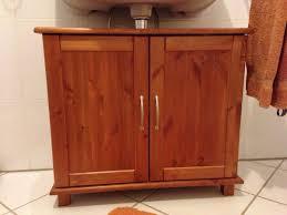 waschbeckenunterschrank badezimmer