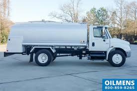 100 Truck Fuel 2200 Gallon Used By Oilmens