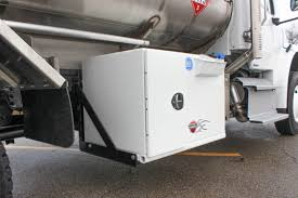 100 Truck Chassis Thunder Creek Equipment Introduces New DEF Saddle Tank For