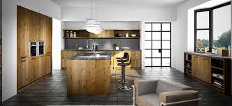 cuisine bois et si pendant longtemps on trouvait que le bois dans une cuisine lui