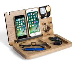 Diy Wooden Amplifierspeaker No Cord Or Batteries Needed Cool Wood Projects For Phones Phone Jpg