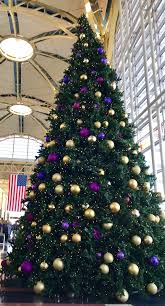 Looks Like The Christmas Tree At Washingtons Reagan National Airport Has An LSU Theme ChristmasSpirit GeauxTigers Tco Ine87ASuRM