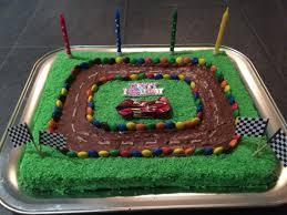 auto rennbahn geb kuchen cars kuchen auto kuchen