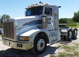 1992 Peterbilt 377 Semi Truck | Item F1427 | SOLD! June 30 C... Peterbilt Semi Trucks Vehicles Color Candy Wheels 18 Chrome Grill Truck Trend Legends Photo Image Gallery 379 Wikipedia 391979 At Work Ron Adams 9783881521 2007 Sleeper For Sale 600 Miles Ucon Id Peterbiltsemitruck Pinterest Trucks And Stock Photos Lowered Youtube Heavy Duty Repair Body Shop Tlg Becomes Latest Truck Maker To Work On Allectric Class 8 1992 377 Semi Item F1427 Sold June 30 C