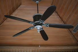 Ceiling Fans Rotate Clockwise Or Counterclockwise by We U0027re A Fan Of Ceiling Fans Bell Brothers Heating And Air
