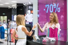 pret a porter vendeur en prêt à porter salaire études rôle compétences