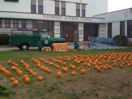 Alameda Pumpkin Patch 2015 by Piedmont Avenue Pumpkin Patch California Haunted Houses