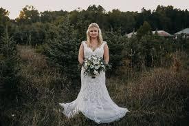 Broadview Christmas Tree Farm Wedding by Love U2014 Raelyn Nicole Photography