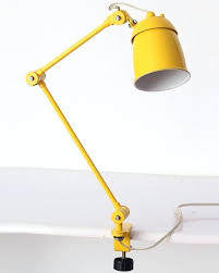 le de bureau jaune le de bureau jaune la en photos d l bureau le de bureau jaune