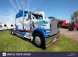 Kenworth Truck Stock Photos & Kenworth Truck Stock Images - Alamy Kenworth Trucks For Sale In Nc Used Heavy Trucks Eagle Truck Sales Brampton On 9054585995 Dump For Sale N Trailer Magazine Test Driving The New Kenworth T610 News 36 Best Of W900 Studio Sleeper Interior Gaming Room In Missouri On Buyllsearch Mhc Joplin Mo 1994 K100 Junk Mail Source Trucks Peterbilt Hino Fort Lauderdale Fl Drive Gives Its Old School Spotlight With Day Cab For Service Coopersburg Liberty