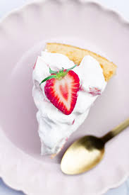 cake mit erdbeer quark puderzuckerliebe