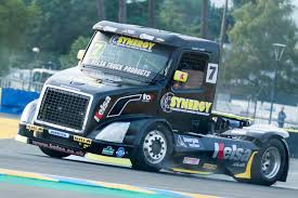 Race Trucks Pictures - High Resolution Semi Truck Racing Galleries