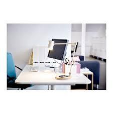le bureau led sans fil ikea riggad le bureau led stat chrgt s fil il est facile de