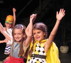 Curtain Call Stamford Ct Shakespeare by Curtain Call U0027s Saturday Classes For Kids Party With Moms