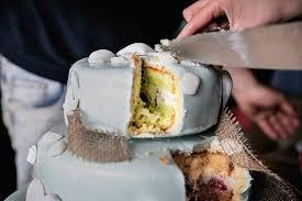 Hochzeitstorte Mit Erdbeeren Und Limetten Limetten Minze Holunderblüten Torte Eine Erfrischende