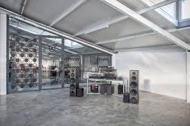 100 Studio 101 Production