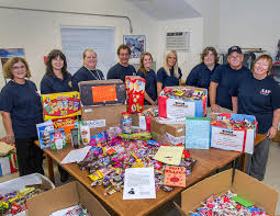 Donate Halloween Candy To Troops Overseas by Bnl Newsroom Pulaski Street Elementary Kids Hold Candy