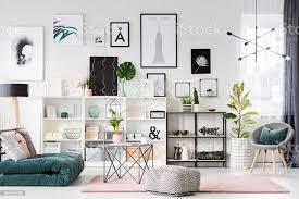 pastell wohnzimmer interieur stockfoto und mehr bilder beige