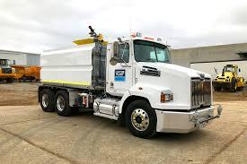 Western Star Water Truck - Luxton Plant Earthmoving Rental