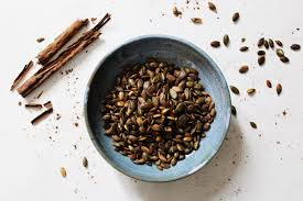 Roasting Pumpkin Seeds In The Oven Cinnamon by Vanilla And Cinnamon Roasted Pumpkin Seeds The Naturalista