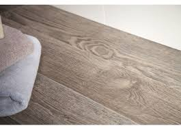stelate porcelain wood tile