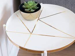 d c home beistelltisch mit geometrischem muster in gold