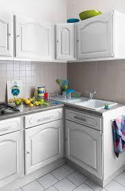 repeindre un meuble de cuisine relooking cuisine facile repeindre les meubles crédences sol