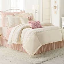 LC Lauren Conrad for Kohl s Lily Bedding Set
