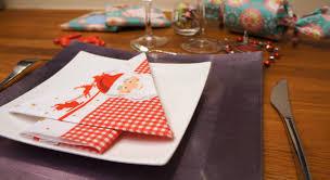 serviette de noel en papier pliage de serviettes en papier pour noel on decoration d interieur