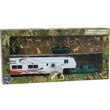 Wild Hunting Play Set With Die-Cast Pick Up Truck And Camper ...