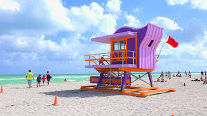 Lifeguard Tower In A Colorful Art Deco Style With Blue Sky And Atlantic Ocean The Background World Famous Travel Location Miami Beach South