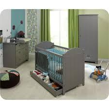 chambre bébé grise et chambre bebe vert bleu