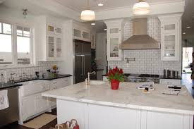 subway tile picks up gray grout