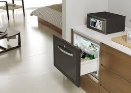 bb stil lösungen für hotellerie minibar zum einbauen