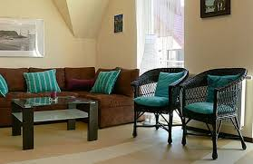 Brown And Teal Living Room by Turquoise And Brown Living Room Decor Nakicphotography