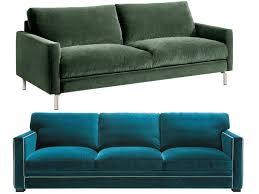 canapé en velours entre vert et bleu notre cœur balance joli