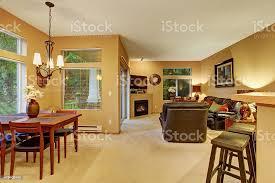moderne esszimmerwohnzimmer mit teppich stockfoto und mehr bilder 2015