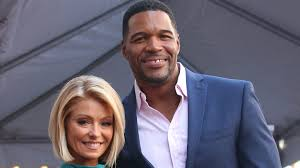 Kelly Ripa And Michael Strahan Halloween 2015 by Kelly Ripa Absent From U0027live U0027 As Michael Strahan Announces His