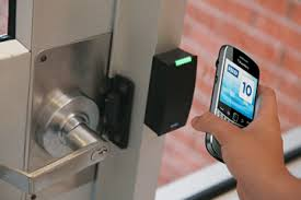 Arizona students first to trial mobile phones with NFC for door