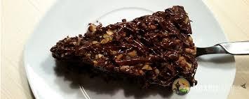 schokoladen birnenkuchen mit gehackten walnüssen vegan