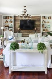 Home Decorating Ideas For Small Family Room by Best 25 Coastal Living Rooms Ideas On Pinterest Beachy Paint