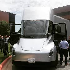100 Southwestern Trucking Tesla Semi Prototype Shows Up At Potentially Critical Customer