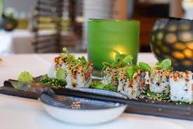 feinstes sushi im esszimmer und im lieferdienst