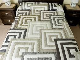 hs s platform bed frame queen fabulous queen bed quilts kmyehai com