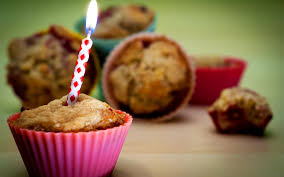 Download Wallpaper 3840x2400 Food Birthday Cake Candle Ultra HD