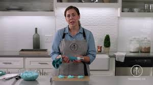 Pampered Chef Easy Accent Decorator Cupcakes by How To Master The Frosting Rosette Pampered Chef Youtube