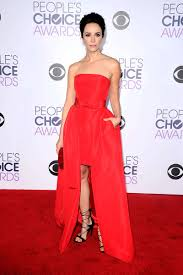 abigail spencer strapless red carpet dress peoples choice awards