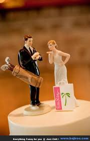 wedding cake funny images fun pictures 3 Funny Wedding Cake Toppers