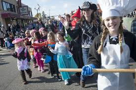 Snickers Halloween Commercial 2015 by Candy Back At Anoka Halloween Parade After Officials Rescind Ban