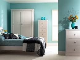 Modern Bedroom Decor With Turquoise Color